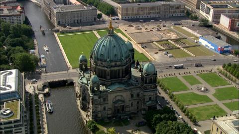Stock Footage - Berliner Dom